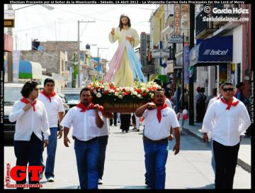 La Virgencita Carries Outs Procession for the Lord of Mercy