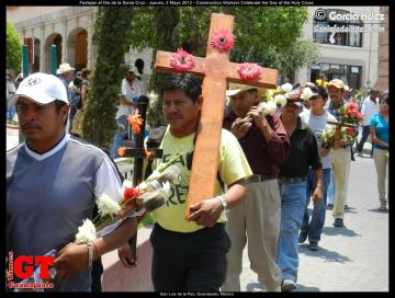 Construction Workers Celebrate the Day of the Holy Cross